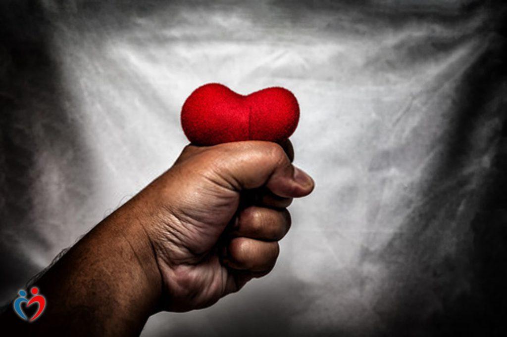 السيطرة بشكل زائد عن الحد في العلاقات العاطفية