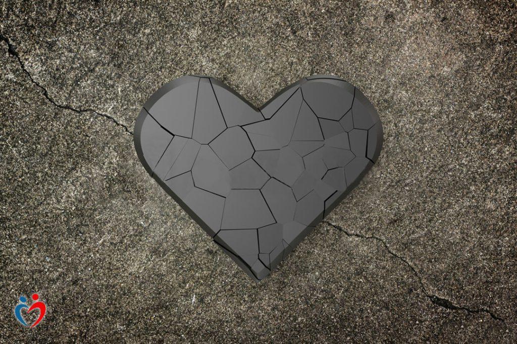 التوقف عن الشعور بمشاعر بعد انتهاء علاقة الحب المؤذي