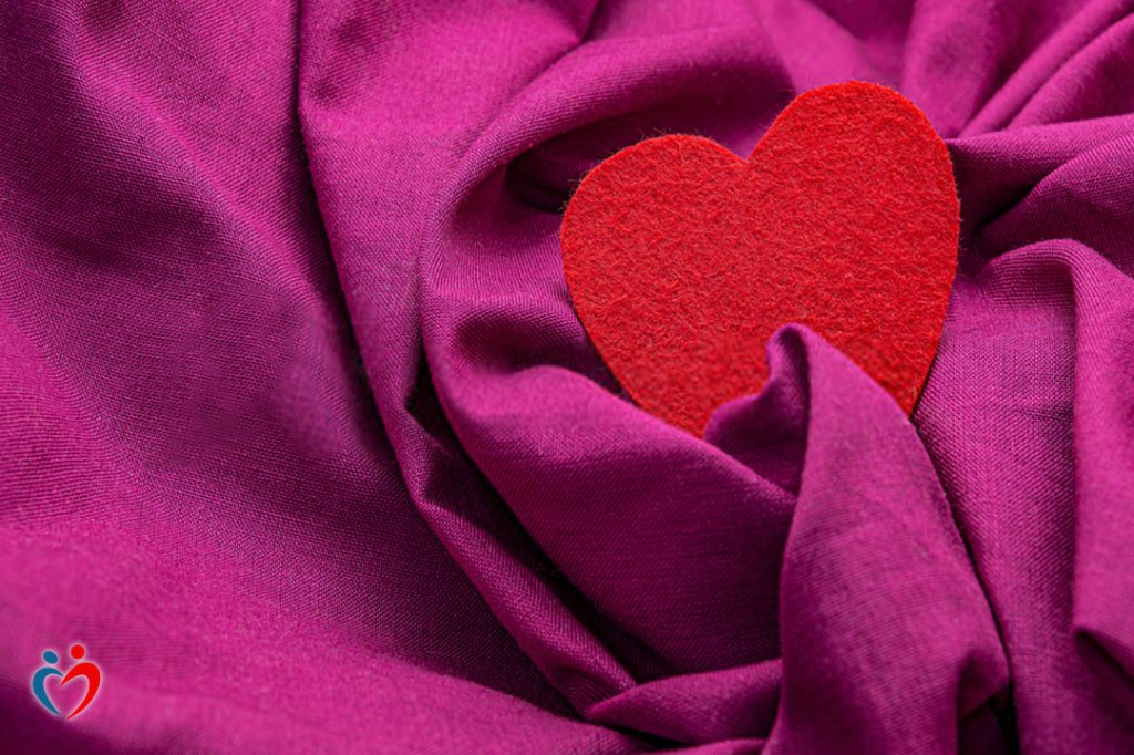 قلة مشاعر الحب داخل الأسرة تزيد من معدل الحرمان العاطفي