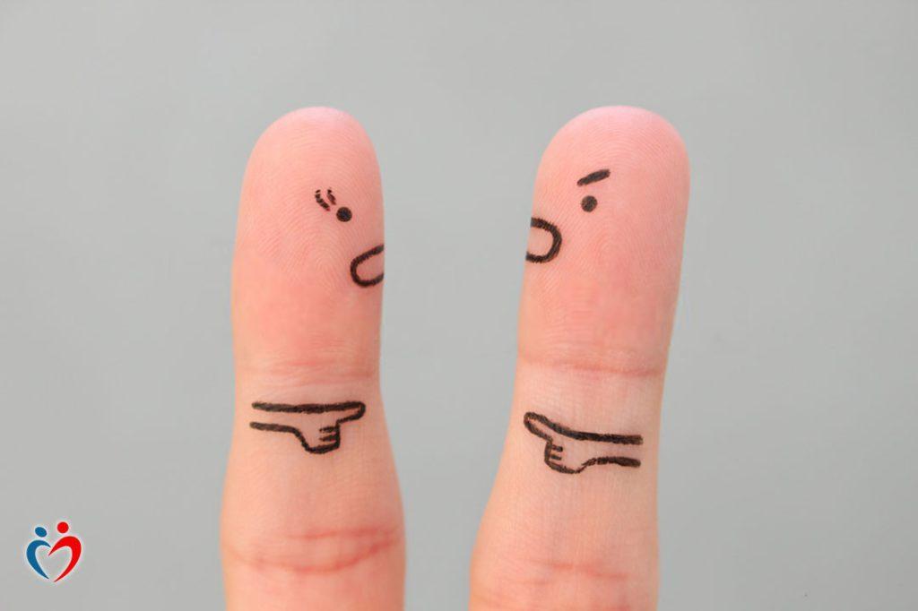 الانكار بعد انتهاء العلاقة العاطفية
