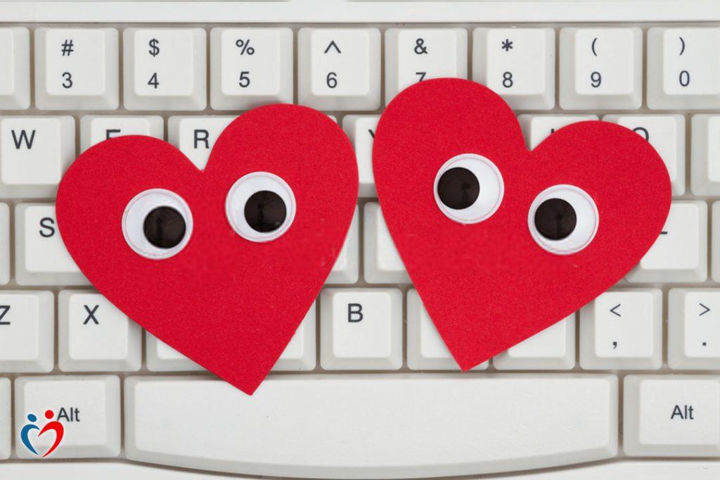 ابتعاد الرجل عن المرأة في العلاقات الإلكترونية من أجل علاقة أخرى