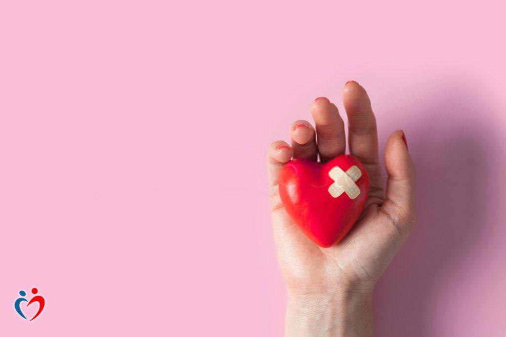 التمسك بالغضب بعد الطلاق يجعل الفرد لا يشعر بالضعف