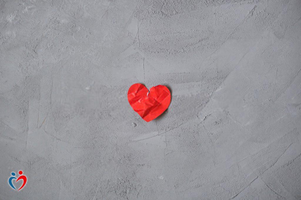 الشعور بالاستياء داخل العلاقات شعور معدي